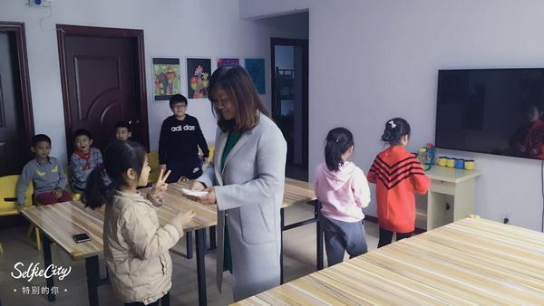 余庆堂——团康活动之快乐传递